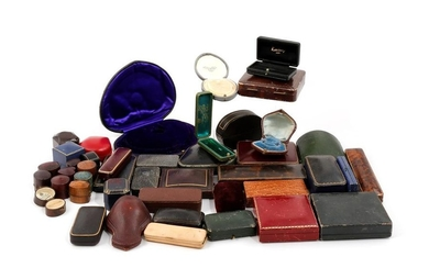 A quantity of antique and modern jewellery boxes,...