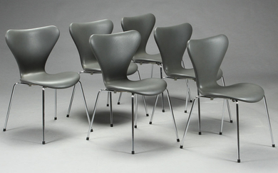 Arne Jacobsen. 'Series 7' dining chairs, model 3107, reupholstered (6)