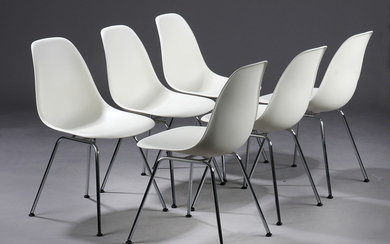 Charles Eames. A set of shell chairs, model DSX with original shell in crème-coloured plastic. (6)