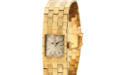 Omega: A gentleman's wristwatch of 14k gold, ref. 9141. Mechanical movement with manual winding, cal. 481. 1960s.