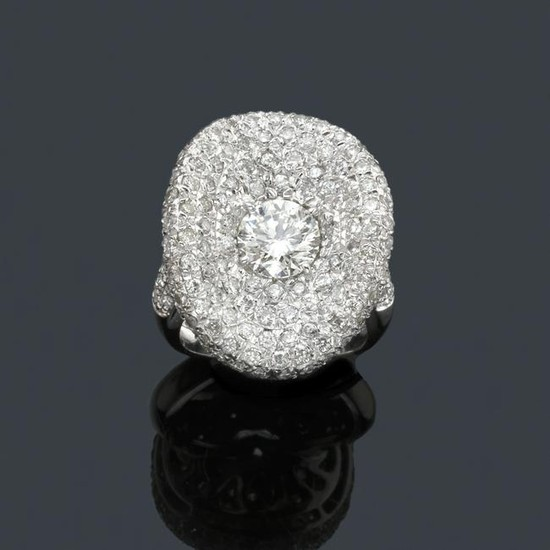 Ring with central brilliant in 18K white gold