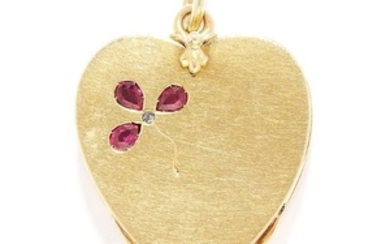 ANTIQUE RUBY CLOVER LOCKET PENDANT in high carat yellow