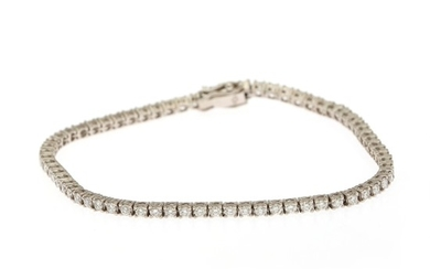 A diamond bracelet set with numerous brilliant-cut diamonds totalling app. 2.25 ct., mounted in 18k white gold. Top Crystal/VVS-SI. L. 18.7 cm.