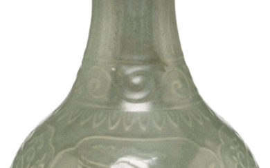 A Chinese Celadon Porcelain Yuhuchunping Vase (Late Qing Dynast)