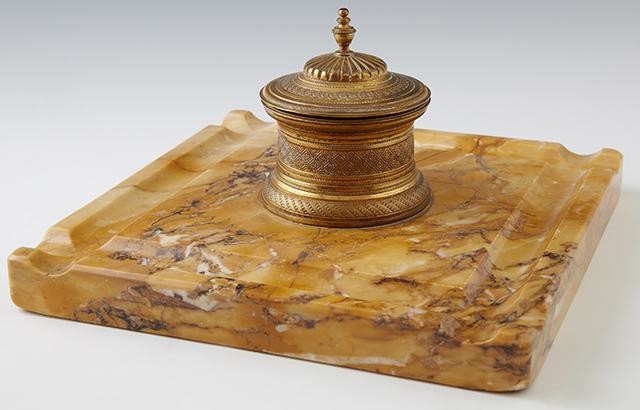 French Gilt Bronze and Marble Inkwell/Pen Tray, late