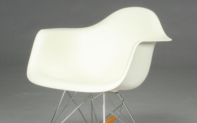 Charles & Ray Eames. Gyngestol, model RAR