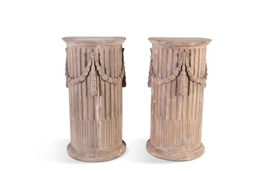 A PAIR OF GEORGIAN STYLE PINE FLUTED COLUMN PILAST…