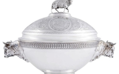Silver covered soup tureen Tiffany & Co., New York,...