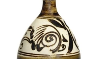 A BROWN-GLAZED BOTTLE VASE, YUHUCHUNPING SONG DYNASTY