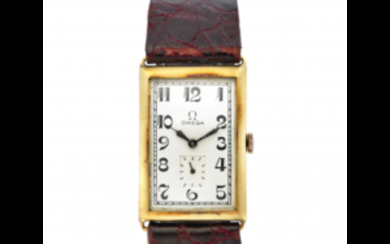 OMEGA Gent's 18K gold wristwatch 1930s Dial, movement and...