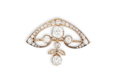 AN ART NOUVEAU DIAMOND BROOCH,...