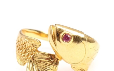 A ruby ring in the shape of a fish set with a round-cut ruby, mounted in 22k gold. Size app. 61–62.