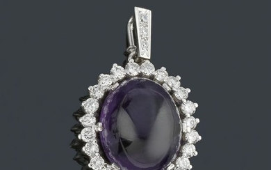 Oval pendant with brilliants and amethyst quartz in