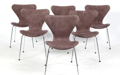Arne Jacobsen. A set of six 'Series 7' chairs, model 3107 (6)