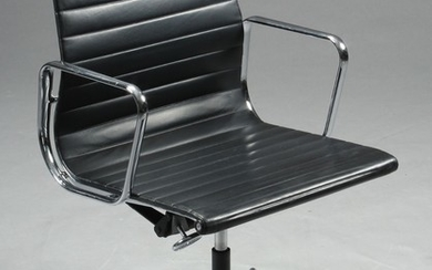 Charles Eames 1907 - 1978. Office chair from the series 'Aluminium Group' model EA-108