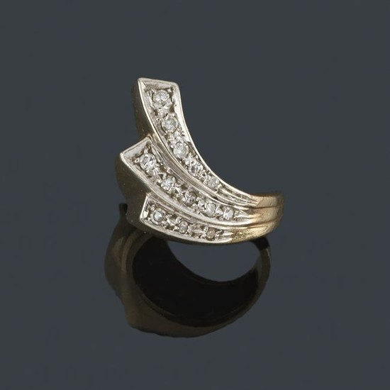 Ring with starry design in 14K yellow and white gold