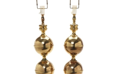 Norwegian design: A pair of brass table lamps. Manufactured by MS Belysning. H. incl. fitting 85 cm. (2)