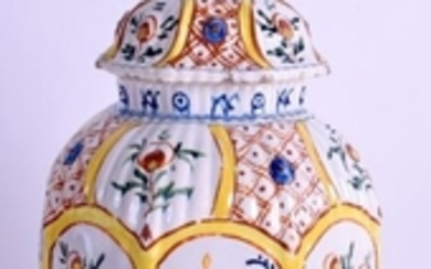 AN 18TH/19TH CENTURY CONTINENTAL DELFT FAIENCE VASE AND