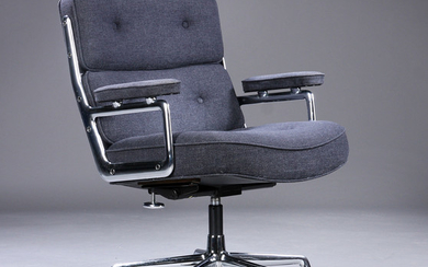Charles Eames. Vintage office chair, Time-Life Lobby Chair, coke-coloured grey wool