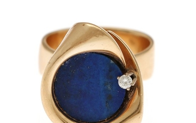 Hans Hansen: Lapis Lazuli ring set with a polished Lapis Lazuli and a brilliant-cut diamond mounted in 14k gold. Size 55.