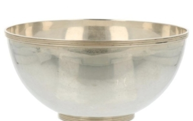 Cream bowl sleek smooth model finished with ring decorations silver.