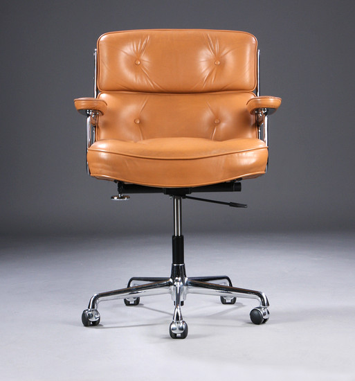 Charles Eames. Office Chair, Time-Life lobby chair, patinated cognac-coloured leather