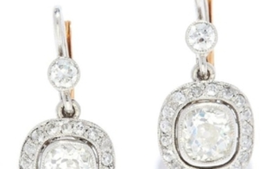DIAMOND CLUSTER EARRINGS in 18ct yellow gold or