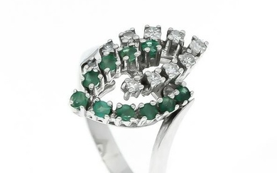 Emerald diamond ring WG 5