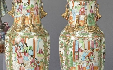 Pair of chinese porcelain vases in Cantón, Dynasty