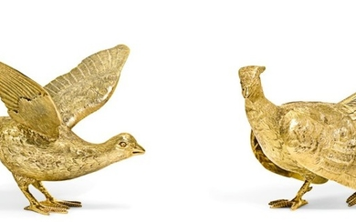 A PAIR OF ELIZABETH II 9CT GOLD PHEASANT TABLE ORNAMENTS, MAKER'S MARK C.W.S., SHEFFIELD, 1996