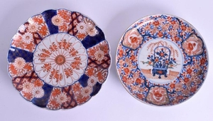 TWO 19TH CENTURY JAPANESE IMARI DISHES. 21 cm wide. (2)