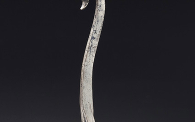 AN ENGRAVED SILVER GARMENT HOOK, LATE WARRING STATES-WESTERN HAN DYNASTY, 4TH-3RD CENTURY BC