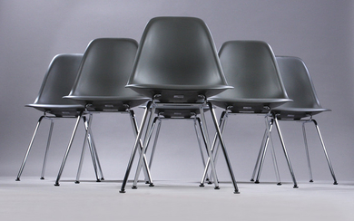 Charles Eames. A set of six shell chairs, model DSX, colour basalt. (6)