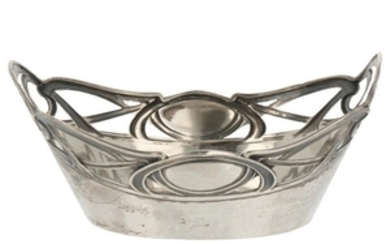 Bonbon dish Jugendstil decorations and partly openwork side silver.