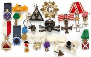 1907/5340: Small coll. medals etc. spc. freemason incl. some in Ag