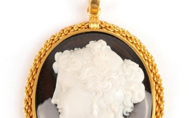 A Victorian Agate Cameo Pendant, depicting a portrait of a...