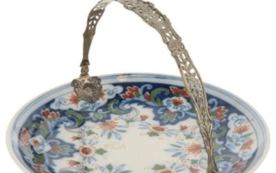 Cookie plate with handle, Makkum 892 plate silver.