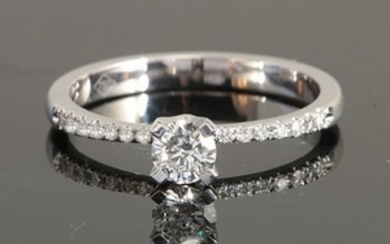 Ring with brilliant cut diamonds 0.40ct