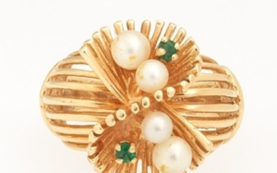 Ladies' Vintage Gold, Seed Pearl and Emerald Ring