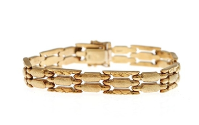 A bracelet of 14k gold partly with satin finish. L. 19.5 cm. Weight app. 20.5 g.