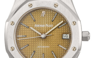 Audemars Piguet. A very fine and rare stainless steel automatic wristwatch with date, sweep centre seconds, bracelet, tropical dial and Certificate of Origin, SIGNED AUDEMARS PIGUET, AUTOMATIC, ROYAL OAK, NO. 667, REF. 14790.OO.0789ST.01, MOVEMENT NO....