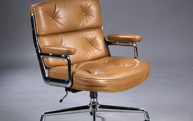Charles Eames. Vintage office chair. Time-Life Lobby Chair, patinated brown leather