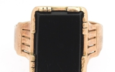 Victorian Gentlemen's Rose Gold and Black Onyx Ring