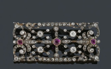 Brooch with old cut diamonds and rosa in 18K yellow