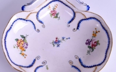 AN 18TH CENTURY SEVRES PORCELAIN SCALLOPED DISH painted