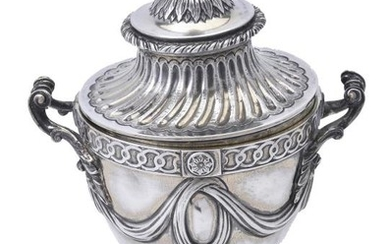 An Edwardian silver cup and cover by the Goldsmiths & Silversmiths Co. Ltd