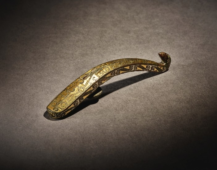 A RARE GOLD AND SILVER-INLAID BELT HOOK WARRING STATES PERIOD - HAN DYNASTY