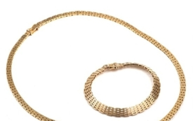 1907/1157: A 14k gold bracelet and necklace. L. 19 and 47 cm. Total weight app. 48.5 g. (2)
