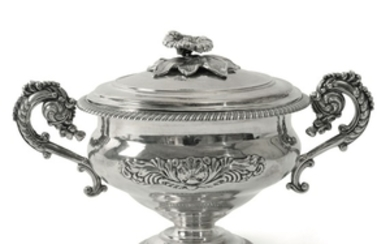 A small tureen, Turin, mid 19th century