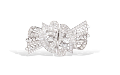 A DIAMOND DOUBLE-CLIP BROOCH, CIRCA...